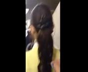 ザーメンぶっかけ悪戯・お姉さん(女子大生やOL)の髪の毛に背後から注射器で精子をかける