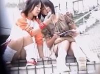 パンチラ盗撮・階段に座ってる私服JKやギャルお姉様達のパンツ隠し撮り動画像