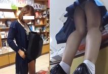 パンチラ盗撮・私服女子高生やかわゆい女子大生達のパンツ艶々した生足逆さ撮り